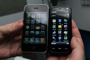nokia-5800-vs-iphone