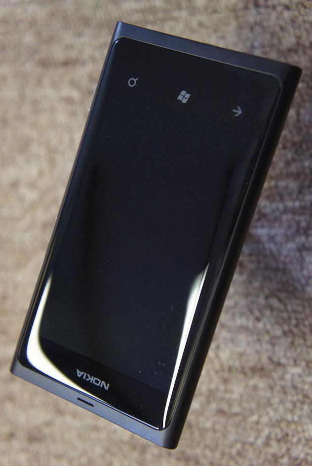 nokia lumia 800 gorilla glass