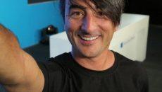 Joe Belfiore posta selfie em rede social que pode ter sido tirada com o Nokia Superman