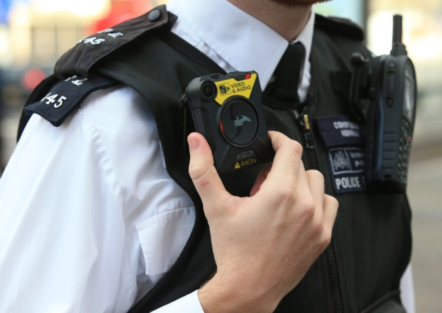 body-worn-cameras-london-police-02