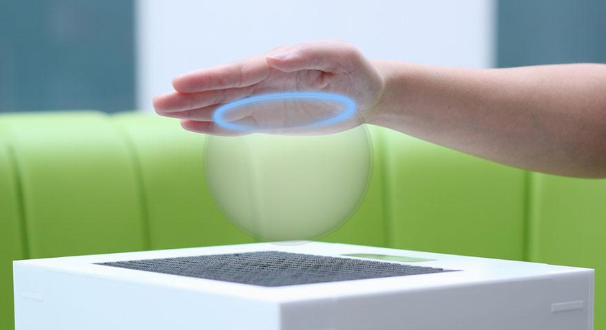 """Tecnologia permite """"tocar"""" objetos holográficos do HoloLens"""