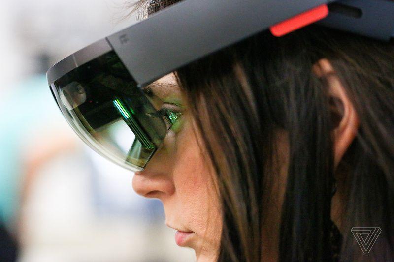 Intel vai parar de produzir o processador Atom usado no HoloLens