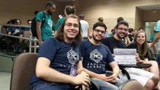 A equipe vencedora do hackathon tem dois estagiários da Microsoft