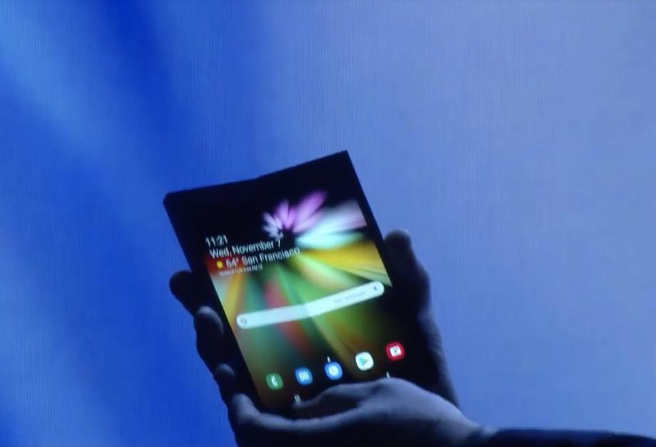 Smartphone dobrável será compatível de forma nativa no Android e Samsung revela o seu modelo