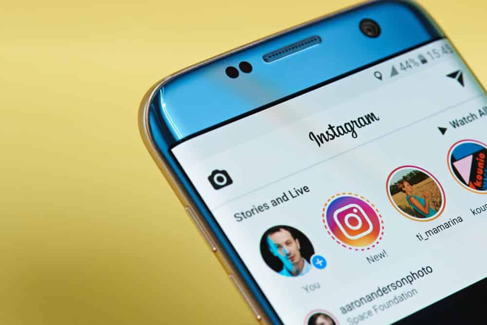 Novidades Instagram: Aplicativo em breve terá suporte nativo a figurinhas Giphy