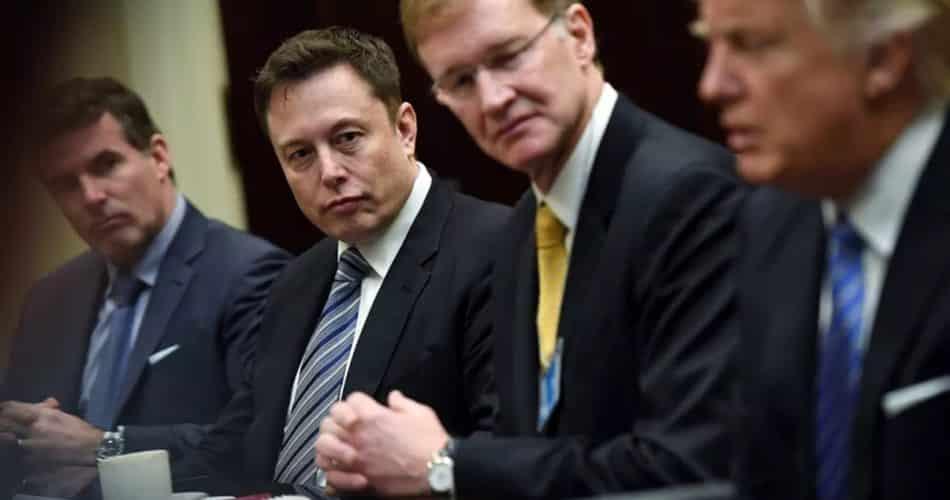 Funcionários da Casa Branca consideraram Elon Musk para campanha publicitária de coronavírus