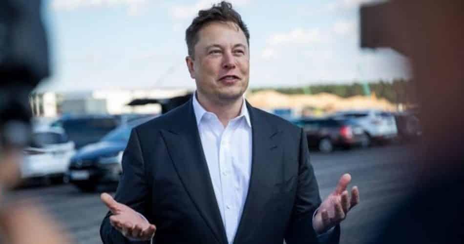 Elon Musk da Tesla: Por que nosso novo modelo poderia ser um hatchback projetado pela Europa