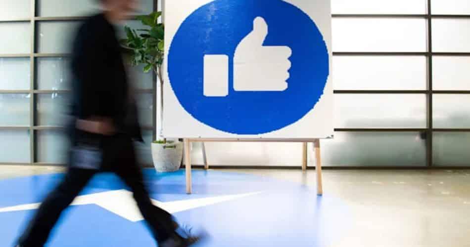 O-Facebook-agora-permite-que-você-transfira-dados-para-o-Google-Docs-e-Wordpress_ (1)