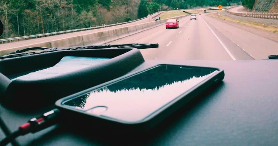 O Apple Car pode ajudar a encontrar seu iPhone perdido embaixo do assento