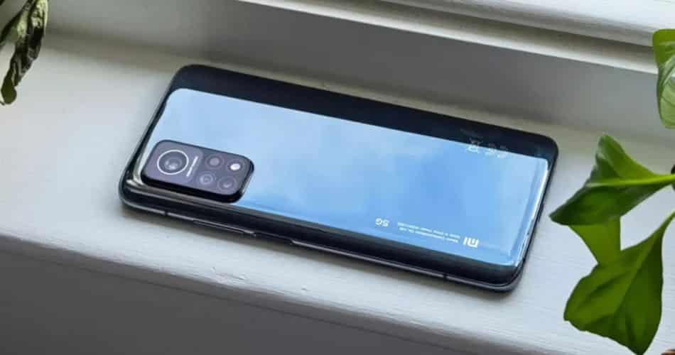 O Xiaomi Mi 11T pode se orgulhar de duas atualizações inovadoras para vencer o iPhone 13